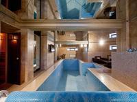 10-комнатный дом помесячно, 700 м², 11 сот.