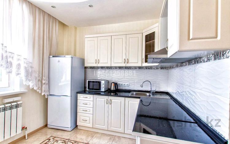 1-комнатная квартира, 45 м² посуточно, Сарайшык 7 за 10 000 〒 в Нур-Султане (Астана), Есиль р-н