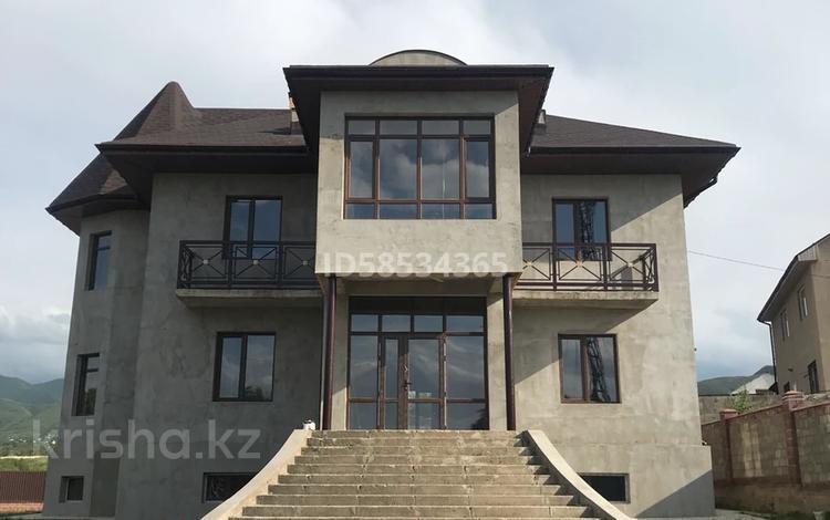 11-комнатный дом, 550 м², Жандосова — Каскелен за 70 млн 〒
