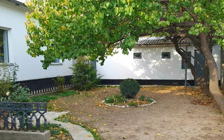 7-комнатный дом, 173 м², 5.5 сот., Ахмета Биримжанова 3 — Диваева за 29 млн 〒 в Шымкенте