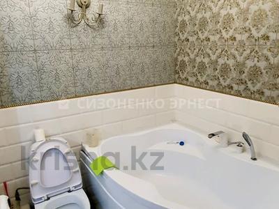 3-комнатная квартира, 63 м², 12/12 этаж, мкр Самал-2 за 28 млн 〒 в Алматы, Медеуский р-н — фото 11