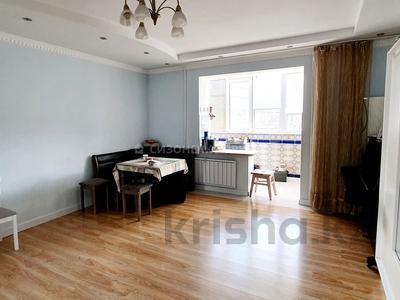 3-комнатная квартира, 63 м², 12/12 этаж, мкр Самал-2 за 28 млн 〒 в Алматы, Медеуский р-н — фото 2