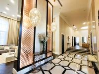 8-комнатный дом, 700 м², 45 сот.
