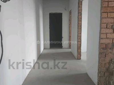 2-комнатная квартира, 65.2 м², 6/6 этаж, улица Муканова 1/9 за 19.5 млн 〒 в Караганде, Казыбек би р-н