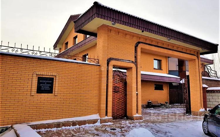 6-комнатный дом помесячно, 600 м², Пригородный за 1.5 млн 〒 в Нур-Султане (Астана), Есиль р-н