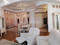 4-комнатная квартира, 200 м², 4/6 этаж помесячно