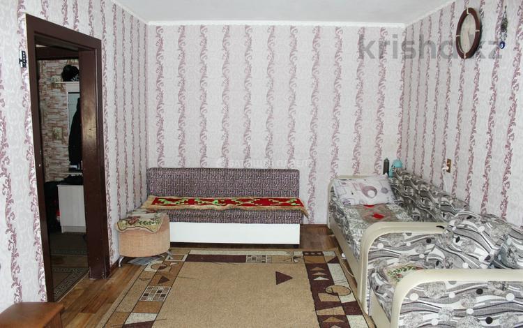 2-комнатная квартира, 44.3 м², 3/5 этаж, Ержанова за 12.5 млн 〒 в Караганде, Казыбек би р-н