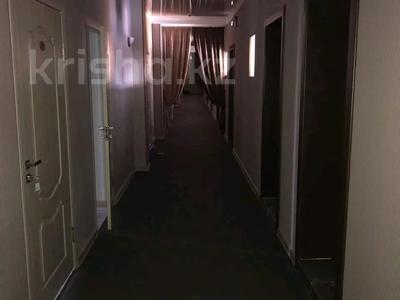 Здание, площадью 978 м², Рыскулова 7/3 за 220 млн 〒 в Караганде, Казыбек би р-н — фото 3