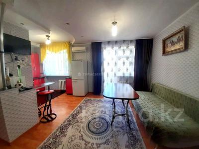 2-комнатная квартира, 60 м² посуточно, Бараева 13 — Иманбаевой за 12 000 〒 в Нур-Султане (Астане), р-н Байконур