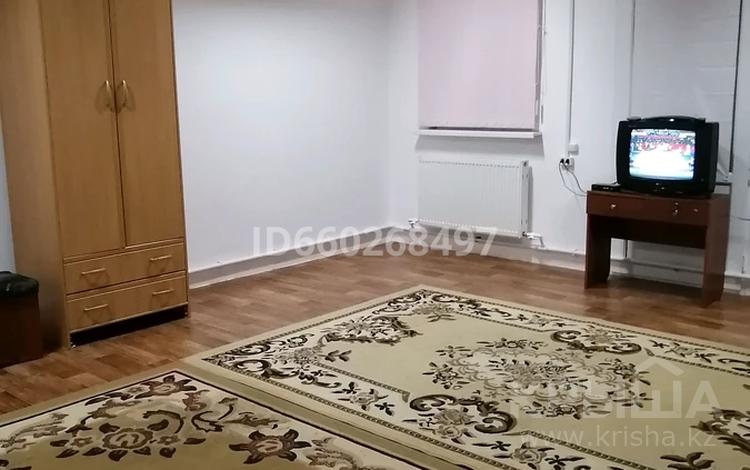1-комнатный дом помесячно, 55 м², Жумыскер2 за 50 000 〒 в Атырау