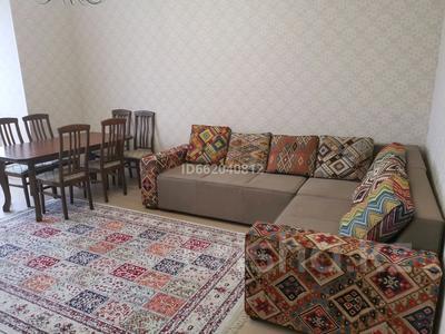 3-комнатная квартира, 120 м², 3/8 этаж помесячно, проспект Санкибай Батыра 72К корпус 1 — Батыс-2 за 200 000 〒 в Актобе