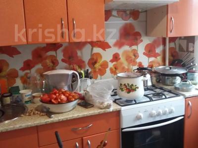 2-комнатная квартира, 43 м², 4/5 этаж, Космонавтов — Парковая за 3.8 млн 〒 в Рудном