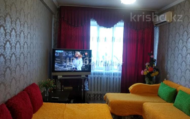 1-комнатная квартира, 80 м², 5/5 этаж посуточно, Макатаева 81 — Абылай хана за 8 000 〒 в Алматы, Алмалинский р-н