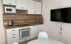 1-комнатная квартира, 55 м², 5/10 этаж помесячно, Мухамедханова 4 за 150 000 〒 в Нур-Султане (Астана), Есиль р-н