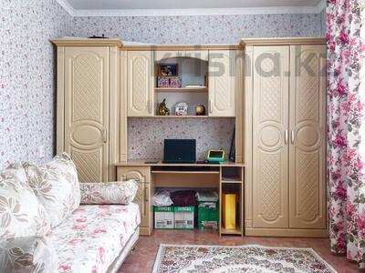 3-комнатная квартира, 71.5 м², 2/16 этаж, Карменова 11а за 16.3 млн 〒 в Семее