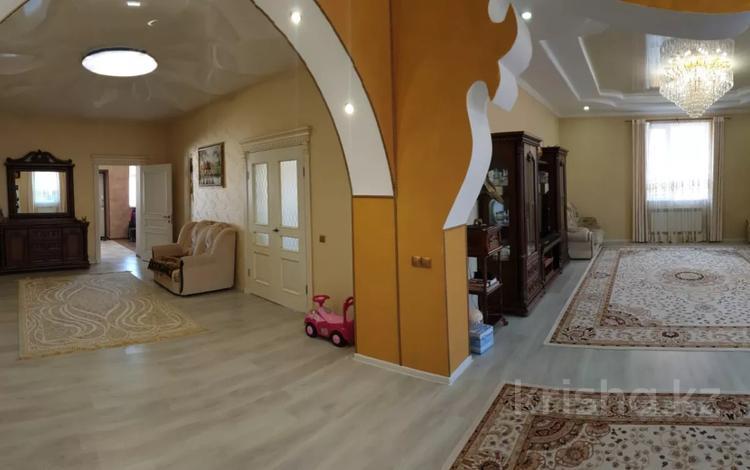 6-комнатный дом, 360 м², 7 сот., Майская за 52 млн 〒 в Актау