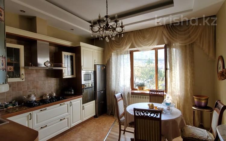 3-комнатная квартира, 97 м², 2/5 этаж, мкр Каменское плато, Тышканбаева за 60.8 млн 〒 в Алматы, Медеуский р-н