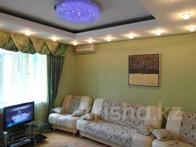 2-комнатная квартира, 85 м², 2/5 этаж по часам, Торайгырова 54 — 1 Мая за 2 500 〒 в Павлодаре