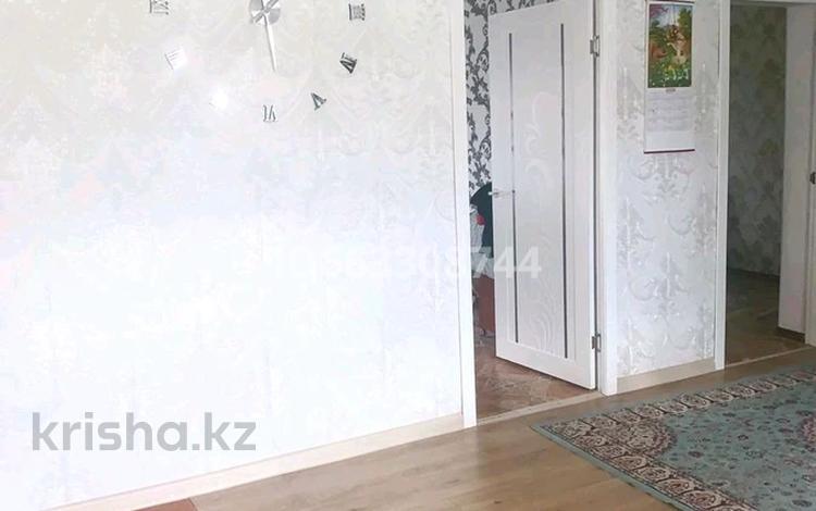 4-комнатный дом, 140 м², 6 сот., 11 мкр за 15 млн 〒 в Актобе, мкр 11