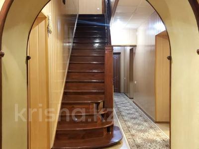 8-комнатный дом, 250 м², 12 сот., Валиханова 33 за 50 млн 〒 в Жезказгане — фото 4