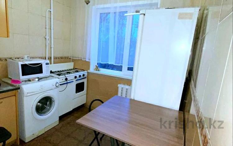 3-комнатная квартира, 55 м², 2/4 этаж помесячно, мкр №1 — Алтынсарина-Улугбека за 140 000 〒 в Алматы, Ауэзовский р-н