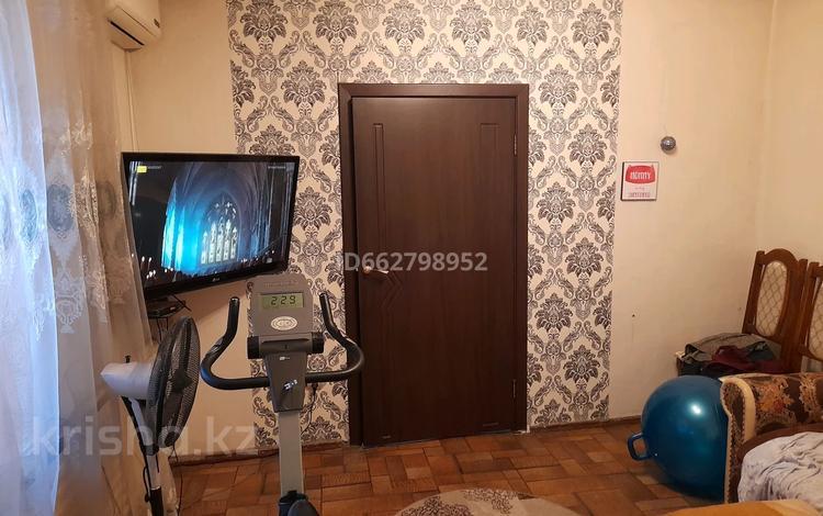 3-комнатный дом, 50 м², 3 сот., 13-й военный городок, 13-й военный городок 244 — Бекмаханова за 18 млн 〒 в Алматы, Турксибский р-н