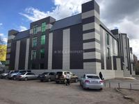 Здание, площадью 6144 м²