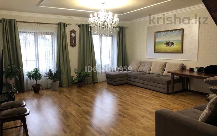 6-комнатный дом, 236 м², 10 сот., Мкр 3 за 72 млн 〒 в