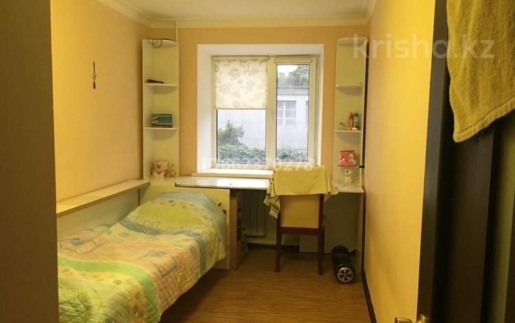 3-комнатная квартира, 53.2 м², 2/5 этаж, Некрасова 79 — Жанкожа батыра за 9 млн 〒 в Актобе, Старый город