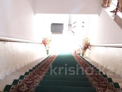 Здание, площадью 765 м², мкр Таусамалы, Мкр Таусамалы 1-50A за 332 млн 〒 в Алматы, Наурызбайский р-н — фото 14