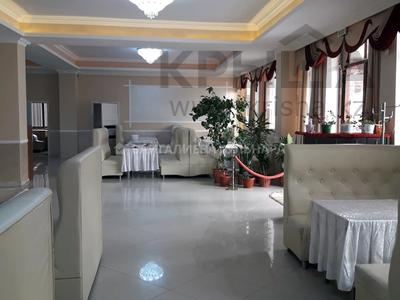Здание, площадью 765 м², мкр Таусамалы, Мкр Таусамалы 1-50A за 332 млн 〒 в Алматы, Наурызбайский р-н — фото 15