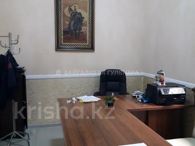 Здание, площадью 765 м², мкр Таусамалы, Мкр Таусамалы 1-50A за 332 млн 〒 в Алматы, Наурызбайский р-н — фото 17