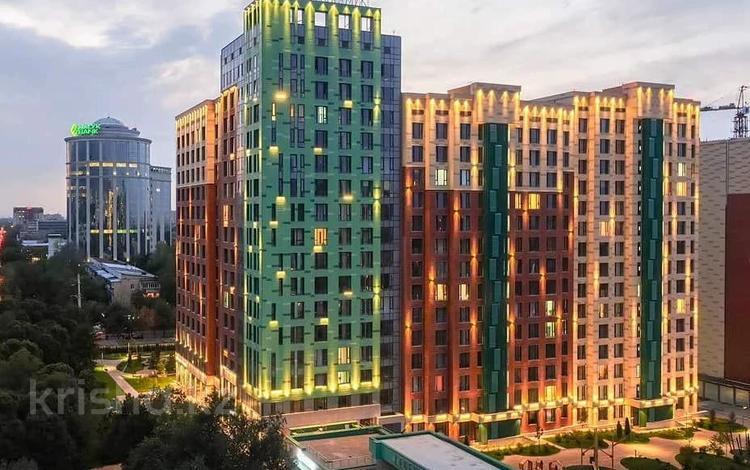 3-комнатная квартира, 96 м², 12/15 этаж, Манаса за 50.5 млн 〒 в Алматы, Алмалинский р-н