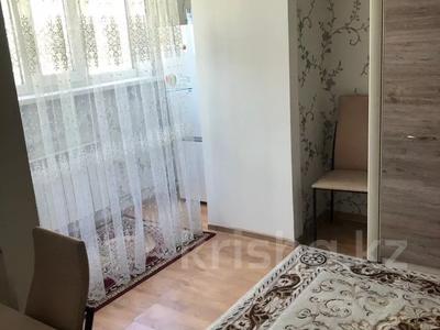 1-комнатная квартира, 30 м², 5/5 этаж посуточно, Дулатова 141 — Б. Момышулы за 7 000 〒 в Семее — фото 2