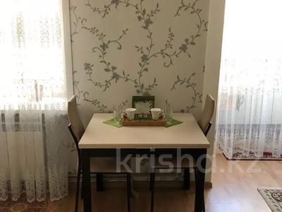 1-комнатная квартира, 30 м², 5/5 этаж посуточно, Дулатова 141 — Б. Момышулы за 7 000 〒 в Семее — фото 4
