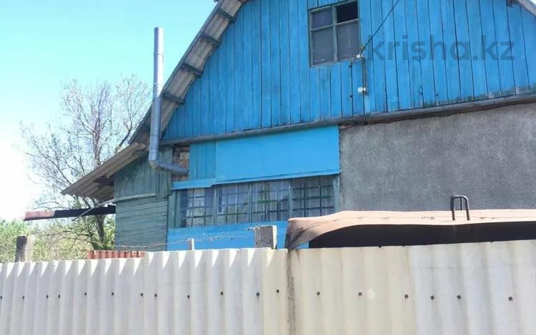 Дача с участком в 12 сот., 3 линия 100 за 3 млн 〒 в Междуреченске