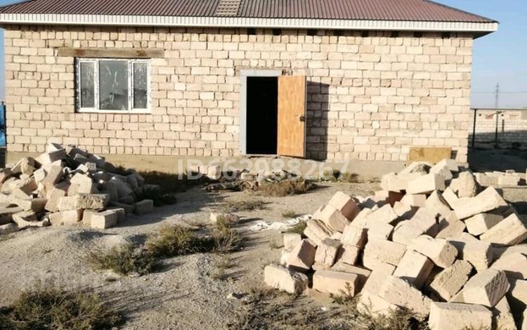 4-комнатный дом, 144 м², 10 сот., Хазар 8 улица 30 за 3.5 млн 〒 в Батыре