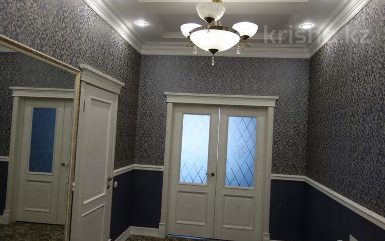 5-комнатный дом, 340 м², Ул. Чернышевского 138/2 за 77 млн 〒 в Павлодаре
