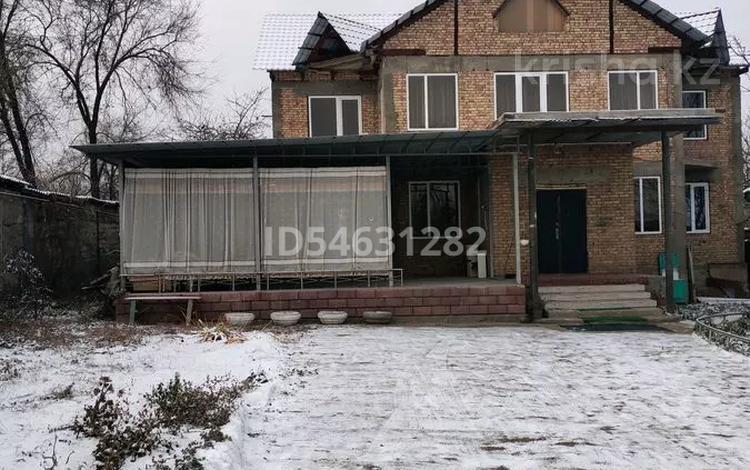 8-комнатный дом, 340 м², 10 сот., улица Аманжолова 50 за 68 млн 〒 в Жанатурмысе