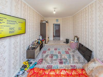 1-комнатная квартира, 38 м², 7/9 этаж, Сауран 14 за 16.5 млн 〒 в Нур-Султане (Астане), Есильский р-н