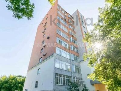 4-комнатная квартира, 163 м², 2/9 этаж, Рамазан 33 — Республика за 49 млн 〒 в Нур-Султане (Астане), р-н Байконур