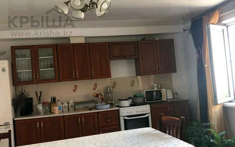 4-комнатный дом, 100 м², 10 сот., Микрорайон Восточный 2 за 23 млн 〒 в Талдыкоргане