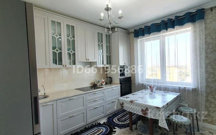 3-комнатная квартира, 93 м², 13/16 этаж, Женис — Молдагулова за 29 млн 〒 в Нур-Султане (Астана), Сарыарка р-н