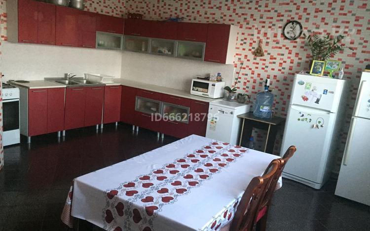 4-комнатный дом, 200 м², 10 сот., Иманова 47 за 27 млн 〒 в Нур-Султане (Астане)