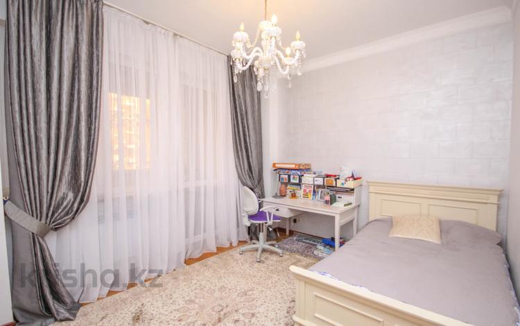 4-комнатная квартира, 150 м², 3/6 этаж, Жамакаева 258/5-12 за 96 млн 〒 в Алматы, Бостандыкский р-н