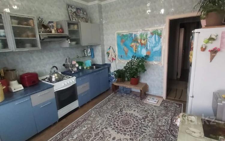 2-комнатная квартира, 60 м², 8/9 этаж, мкр Аксай-5, Мкр Аксай-5 за 24 млн 〒 в Алматы, Ауэзовский р-н