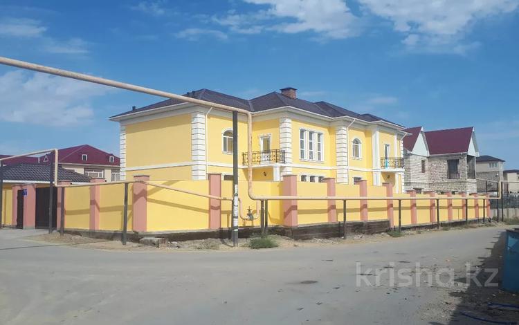 10-комнатный дом помесячно, 430 м², Пляжная 2 за 600 000 〒 в Актау