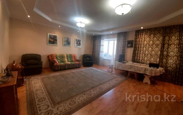 3-комнатная квартира, 150 м², 2/9 этаж, Иманова 6 за ~ 106.8 млн 〒 в Нур-Султане (Астане), Алматы р-н