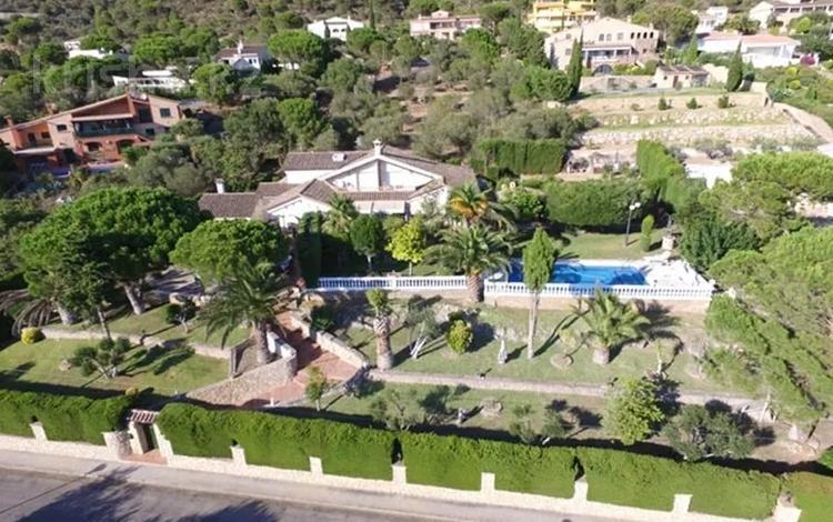 9-комнатный дом, 600 м², 24 сот., Calle Garbi 3 за 284.5 млн 〒