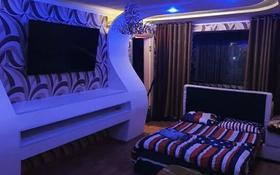 3-комнатная квартира, 60 м², 2/5 этаж посуточно, Арбат-Плаза 1 — Джангильдина за 15 000 〒 в Шымкенте, Аль-Фарабийский р-н